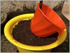 make-topsy-turvy-planter-6