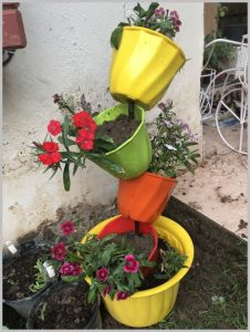 tilted-pot-planter